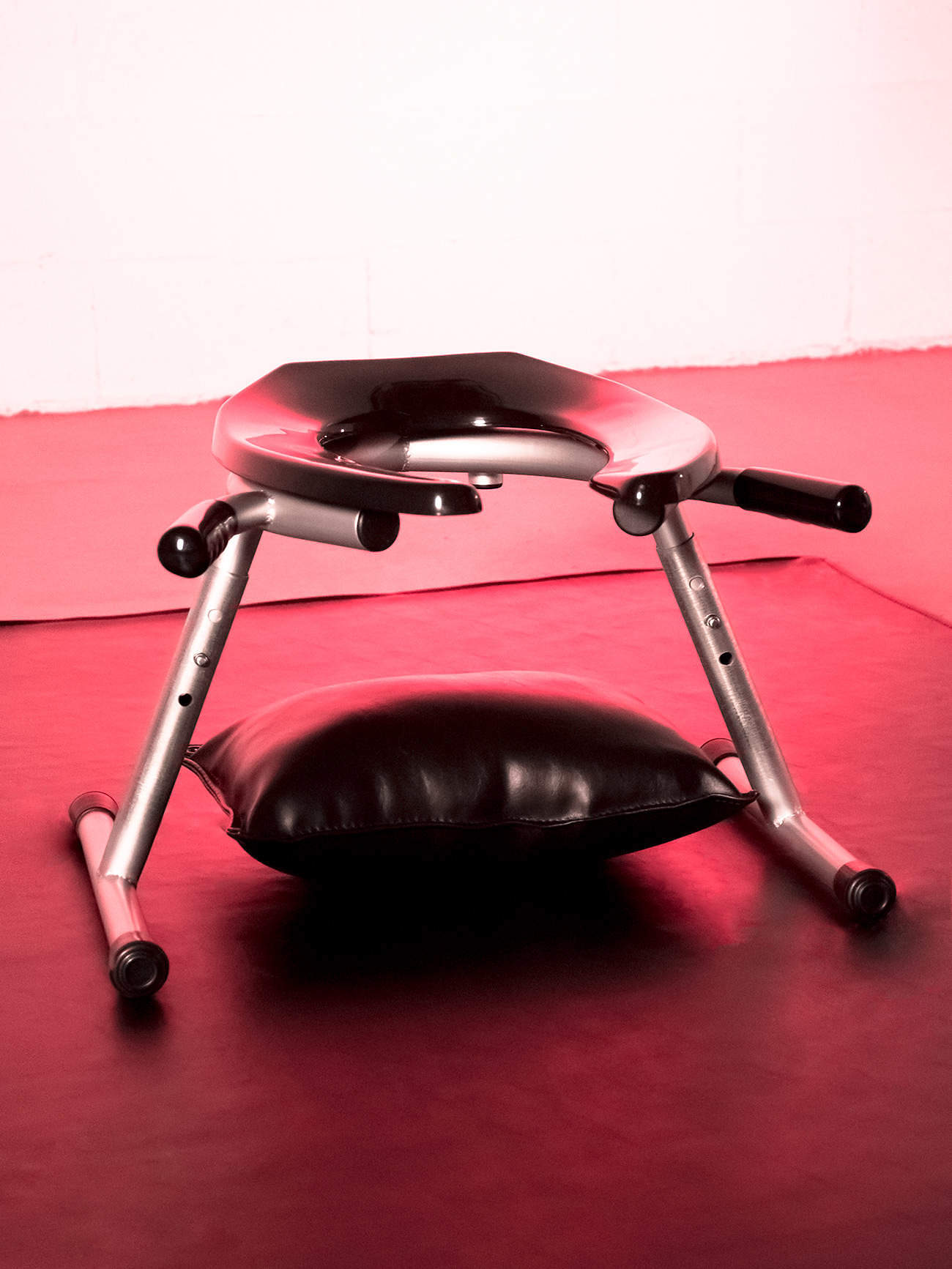 JimSupport Handled T-Leg Rim Seat with Pillow