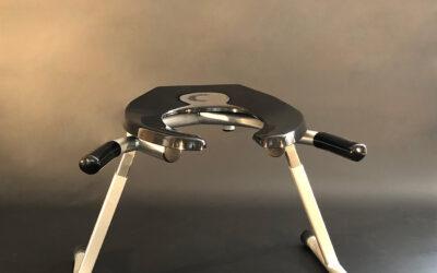 Handled T-Leg Rim Seat